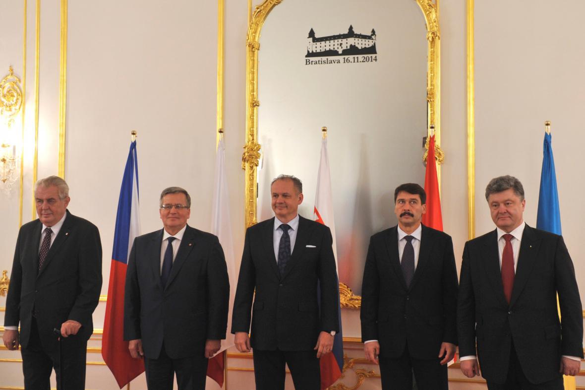 Hlavy států visegrádské čtyřky na setkání s Petrem Porošenkem