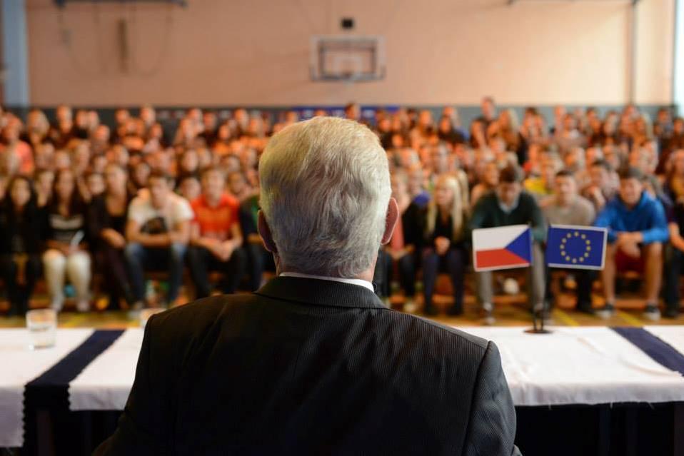 Miloš Zeman debatuje se studenty