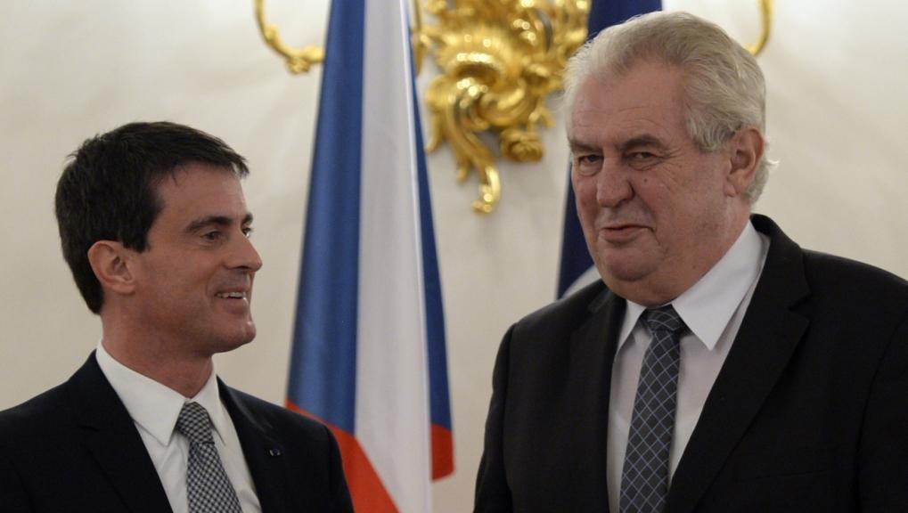 Prezident Miloš Zeman při setkání s francouzským premiérem Manuelem Vallsem