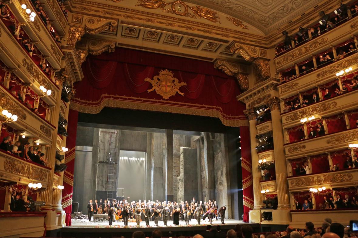 La Scala zahájila sezonu Fideliem
