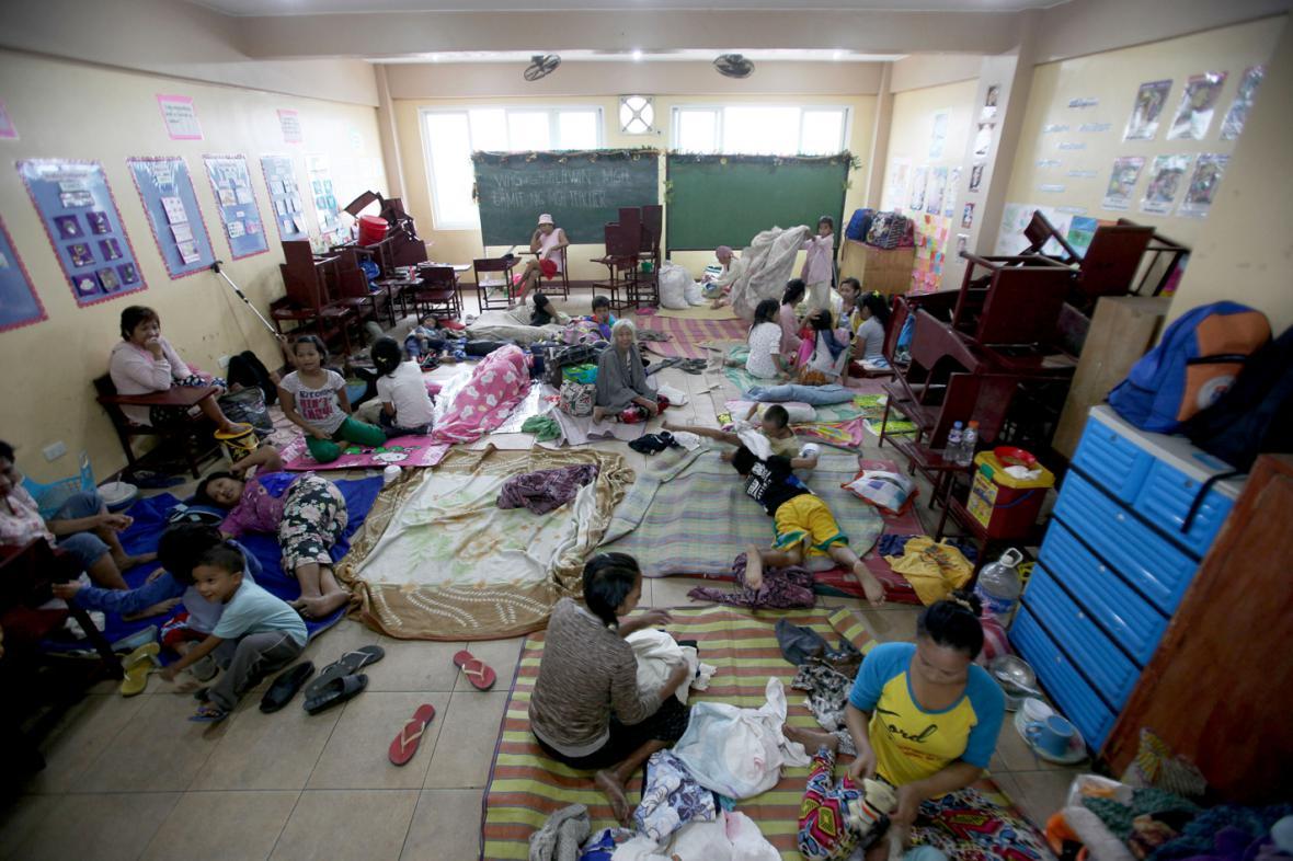 Evakuační centrum v Manile