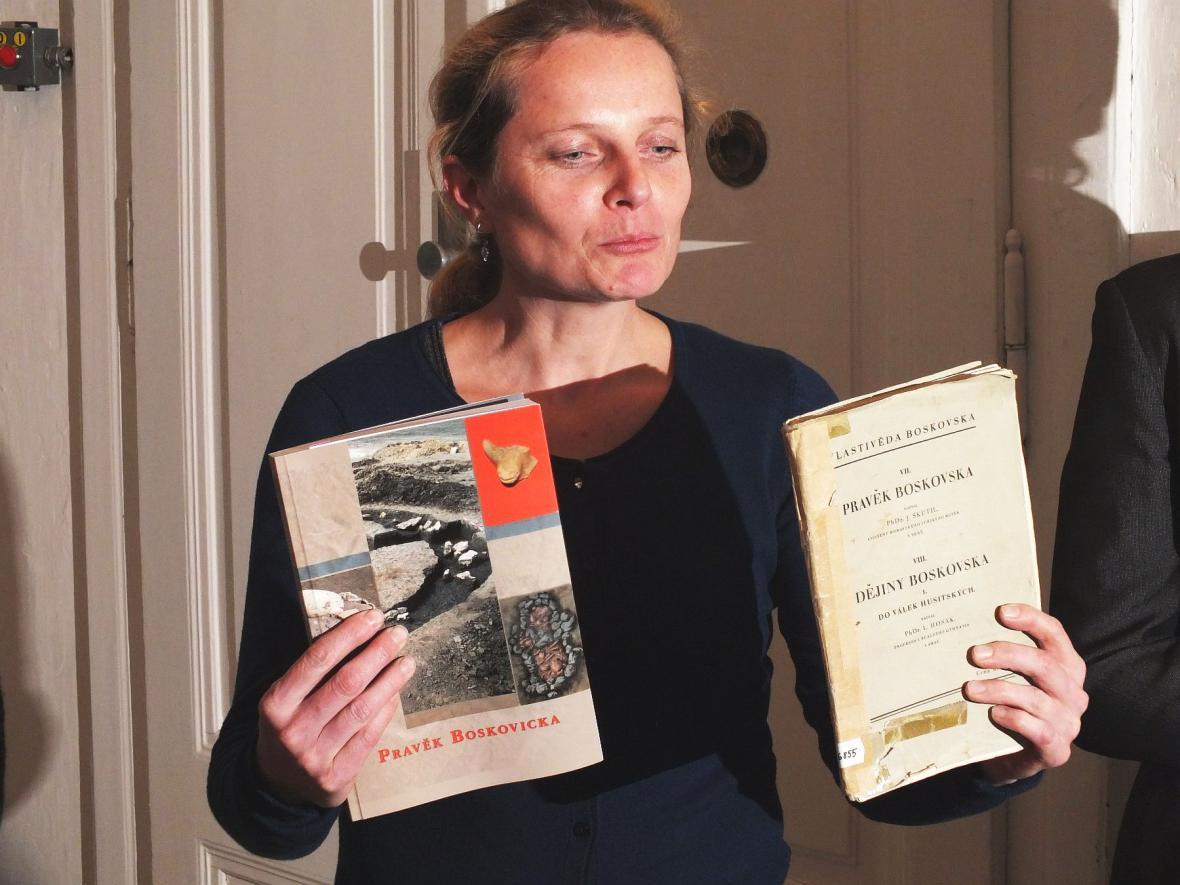 Dvě knihy o pravěku na Boskovicku