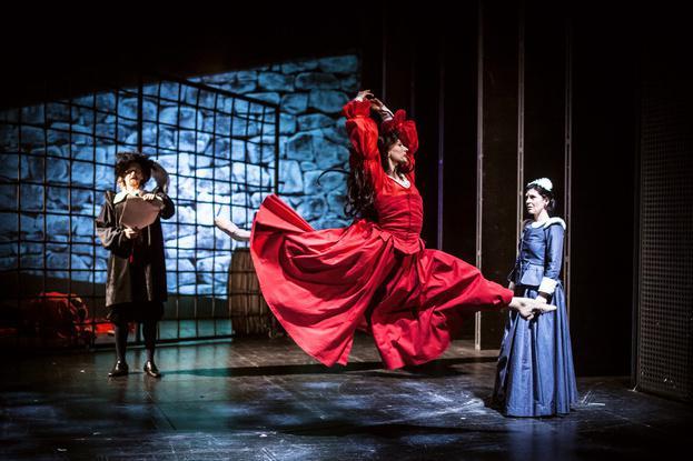 Alžběta a Salomena - hra plná intrik