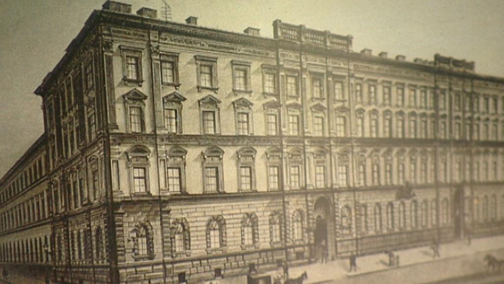 Centrální budova pošty na dobovém snímku