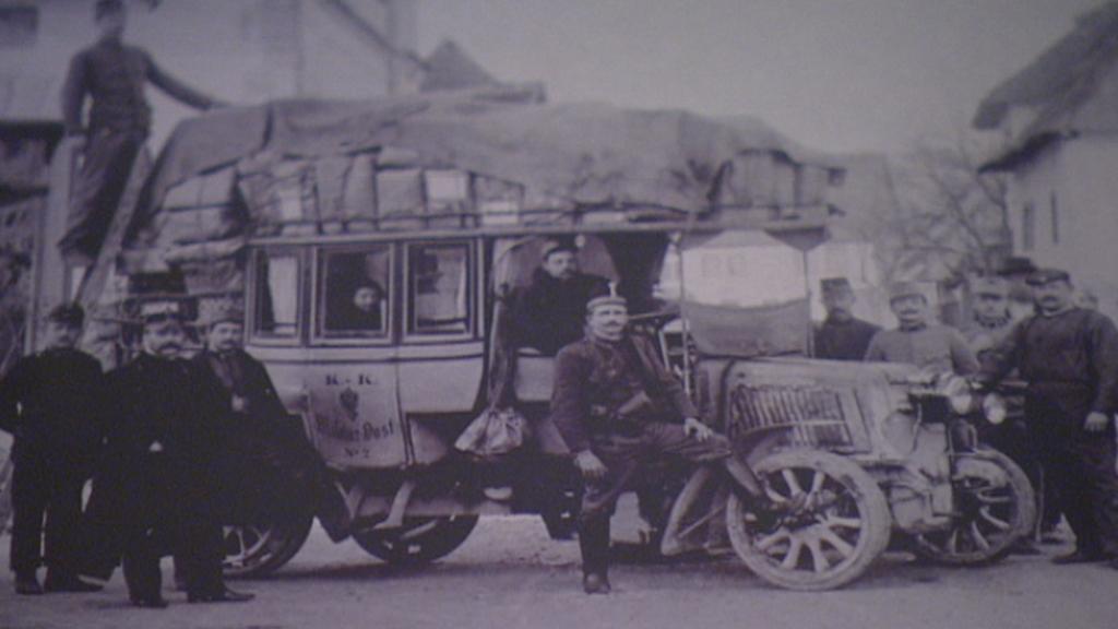 Archivní snímek poštovního auta