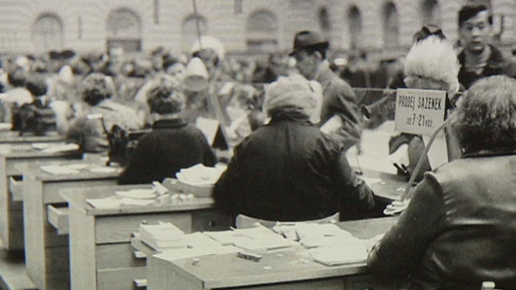 Archivní snímek z centrální haly pošty