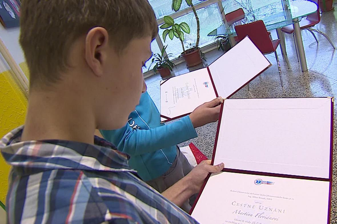 Oba spolužáci dostali čestné uznání
