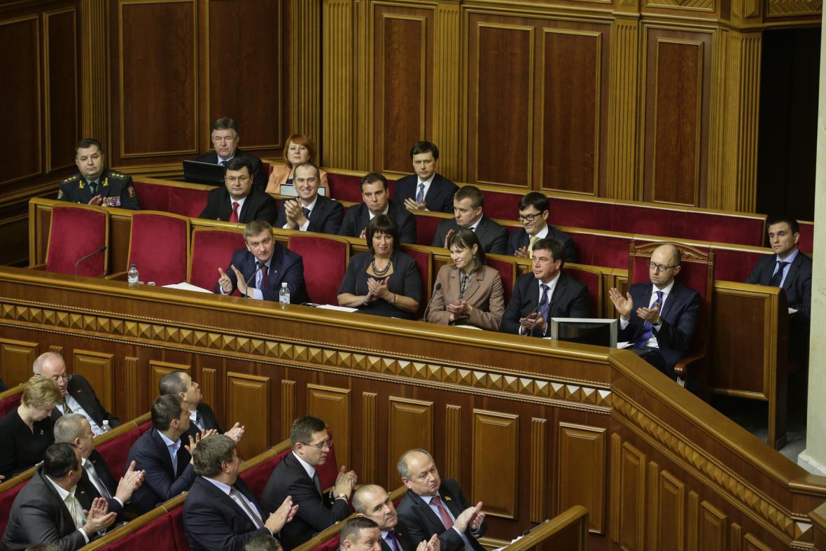 Nová vláda Arsenije Jaceňuka