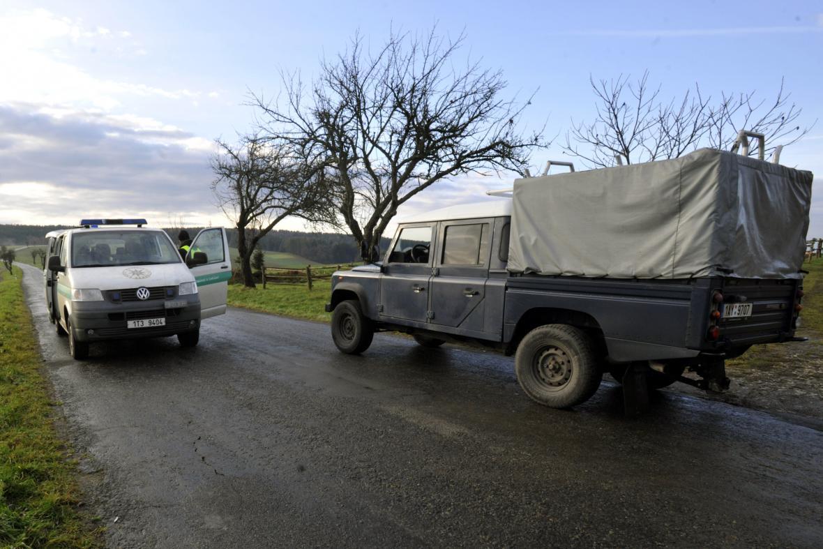 Okolí muničního skladu je stále uzavřené