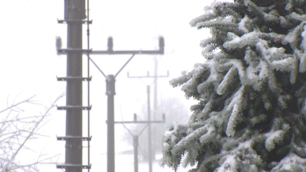 Námraza a sníh působí potíže s elektřinou