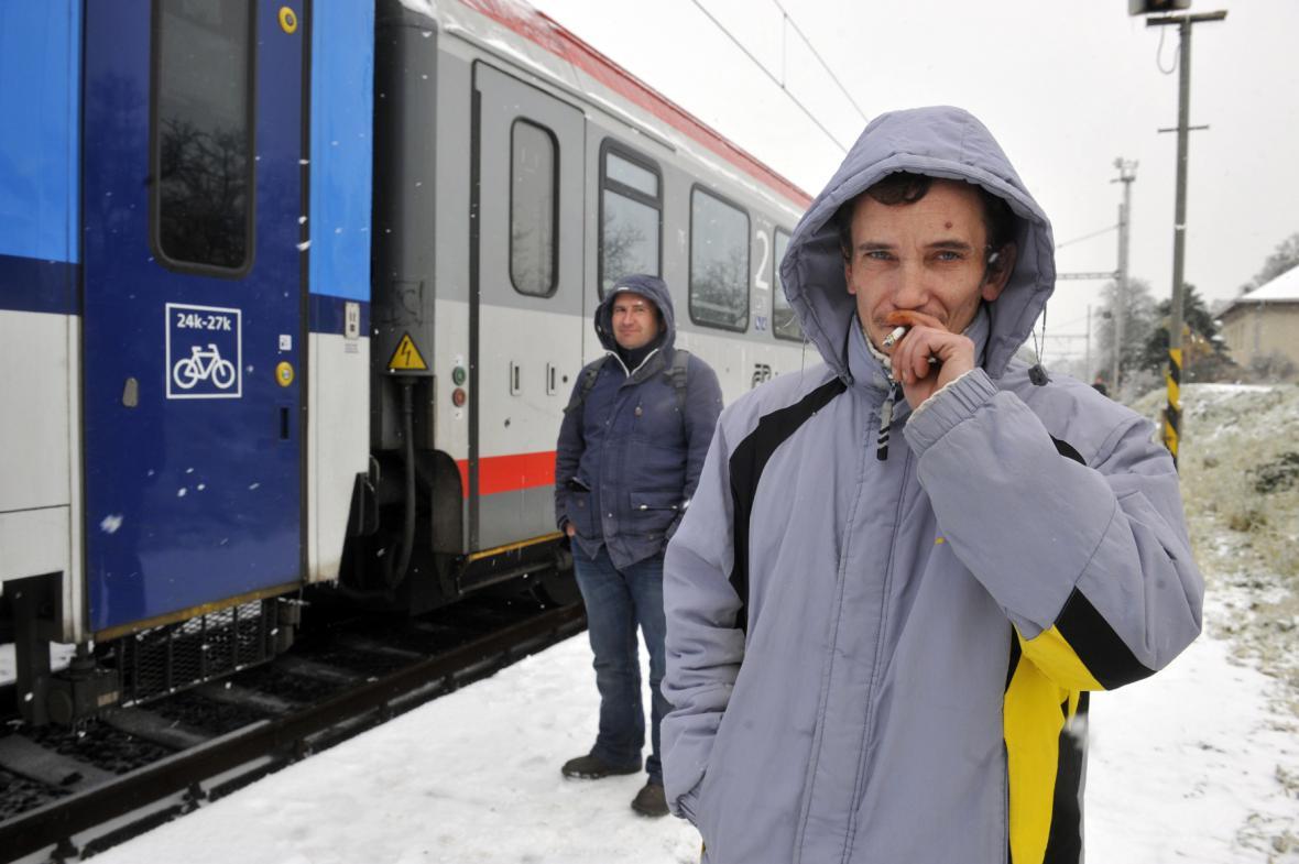 Námraza částečně ochromila vlakovou dopravu