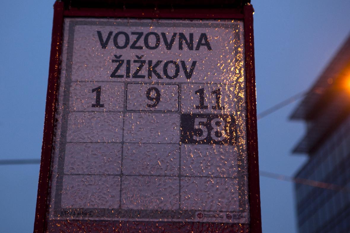 Ledovka v ČR - doprava s problémy