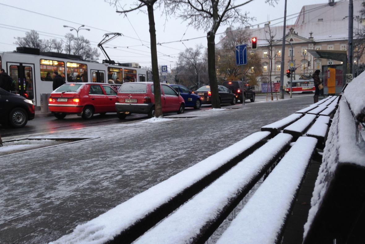 Hromadná městská doprava v centru funguje bez větších problémů