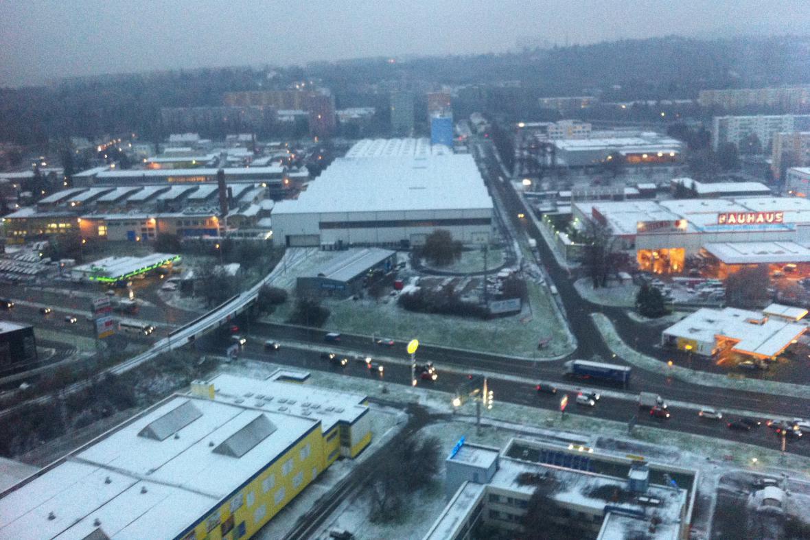 Hlavní tahy jsou v Brně od rána s opatrností sjízdné