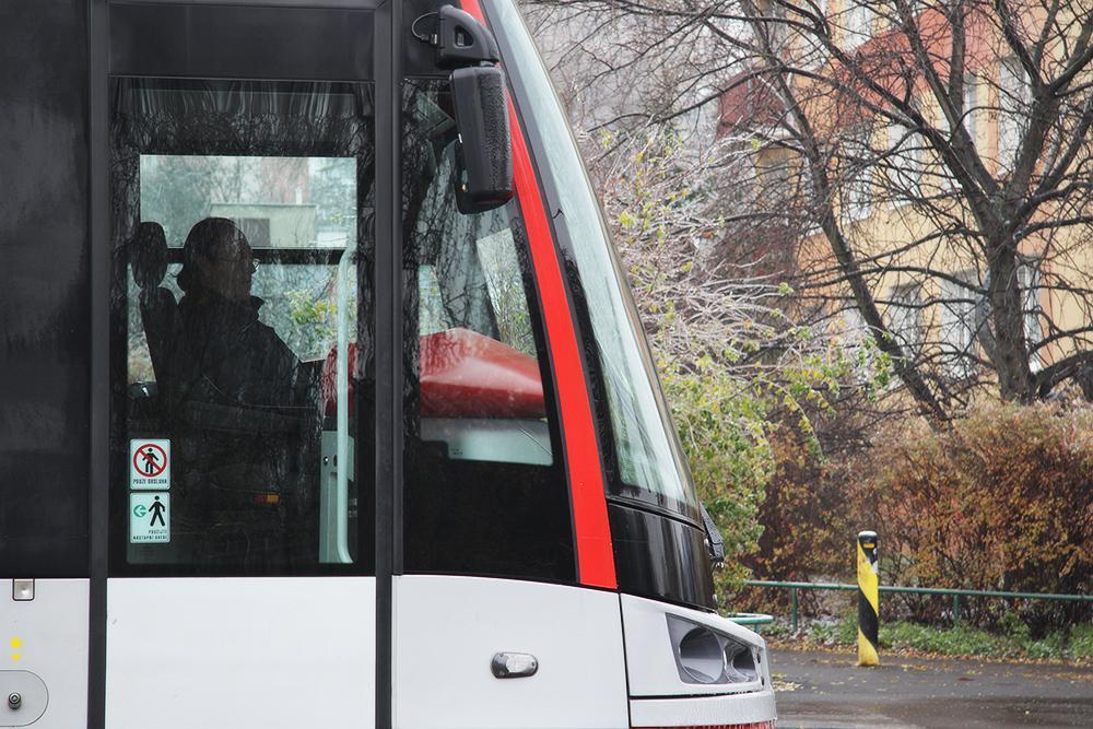 Ledovka zablokovala provoz tramvají v Praze
