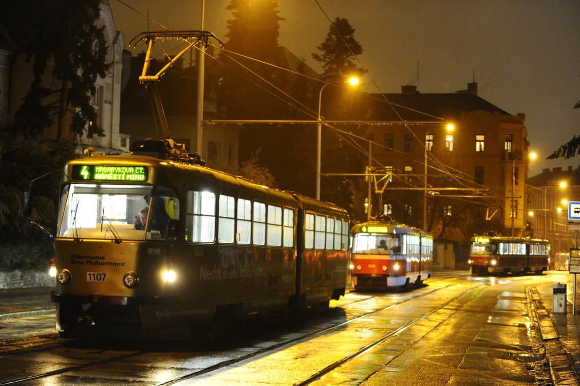 Námraza komplikuje tramvajový provoz