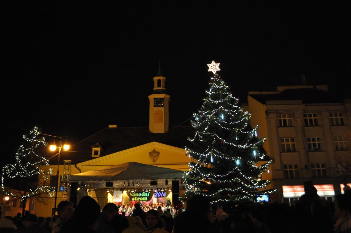 Rozsvícení vánočního stromu v Lounech