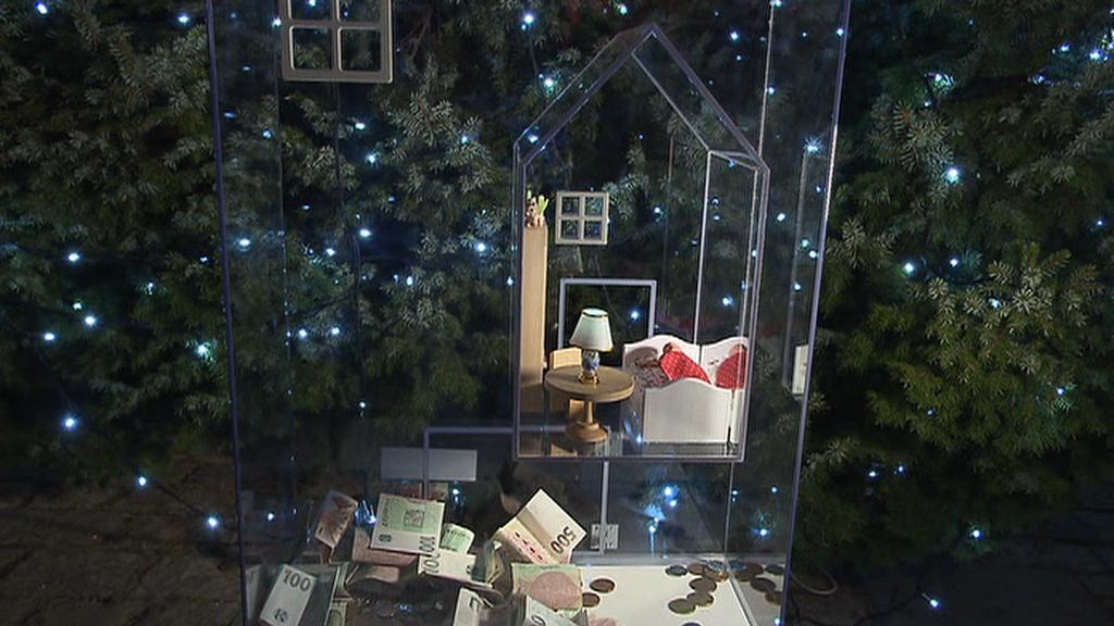 Vánoční charitativní sbírka pro SOS vesničky na Jiřském náměstí Pražského hradu