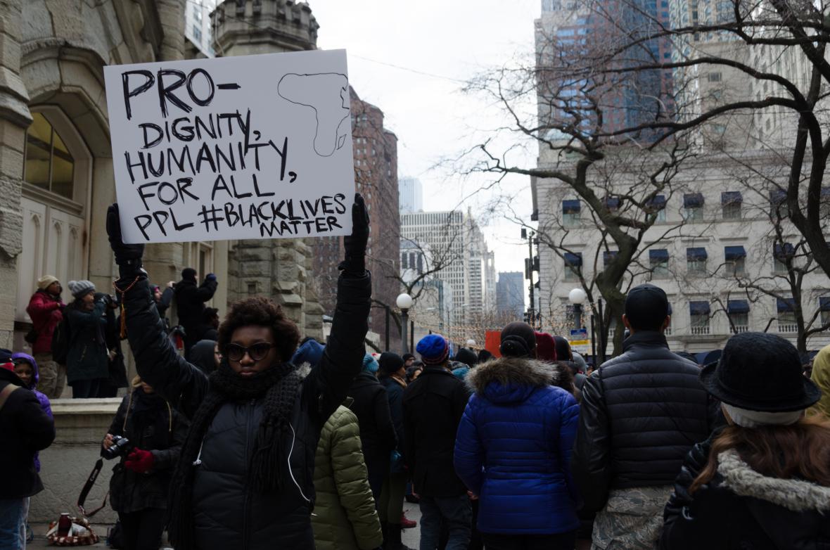 V Chicagu protestují proti rozhodnutí neobžalovat Darrena Wilsona