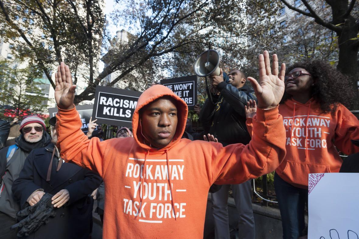 Aktivisté v New Yorku bojkotují Černý pátek