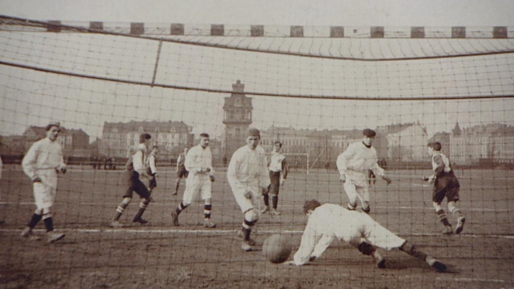 Fotbal na Letné