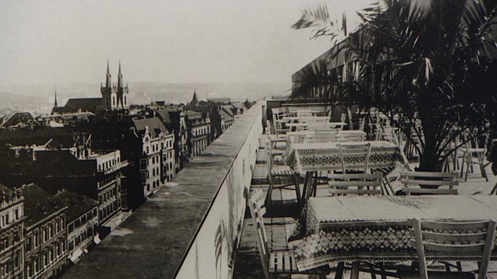 Pohled z Veletržního paláce