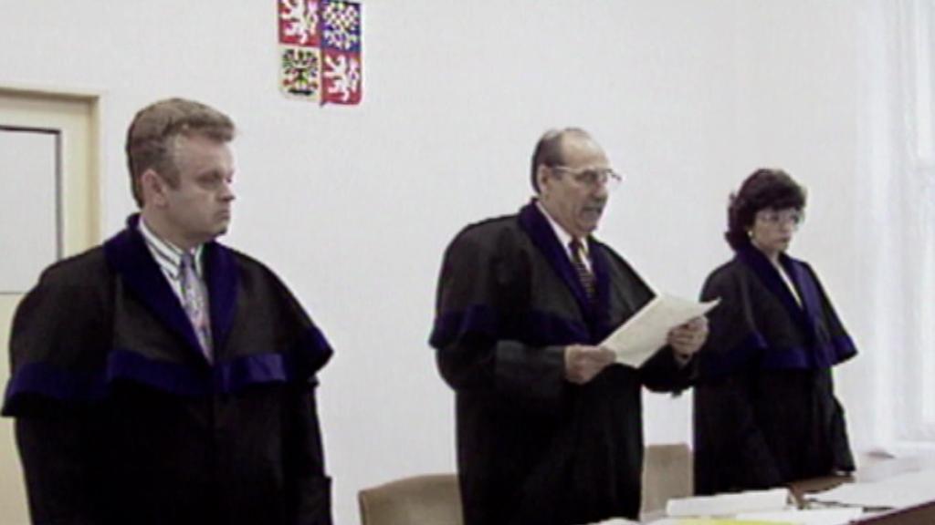 Jiří Bernát při soudním líčení s L. Zifčákem - 1994