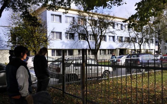 Obchodní škola ve Žďáru nad Sázavou, kde se objevil útočník