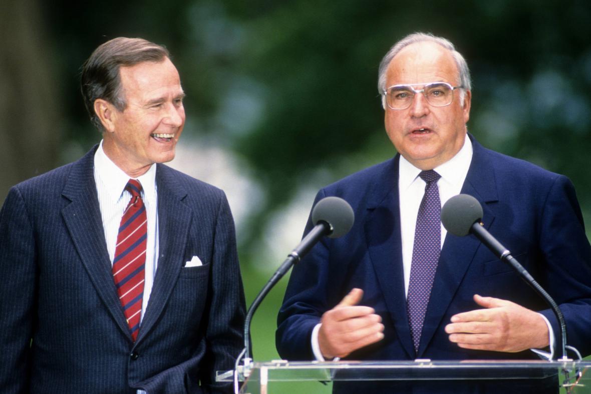 Americký prezident George Bush a spolkový kancléř Helmut Kohl