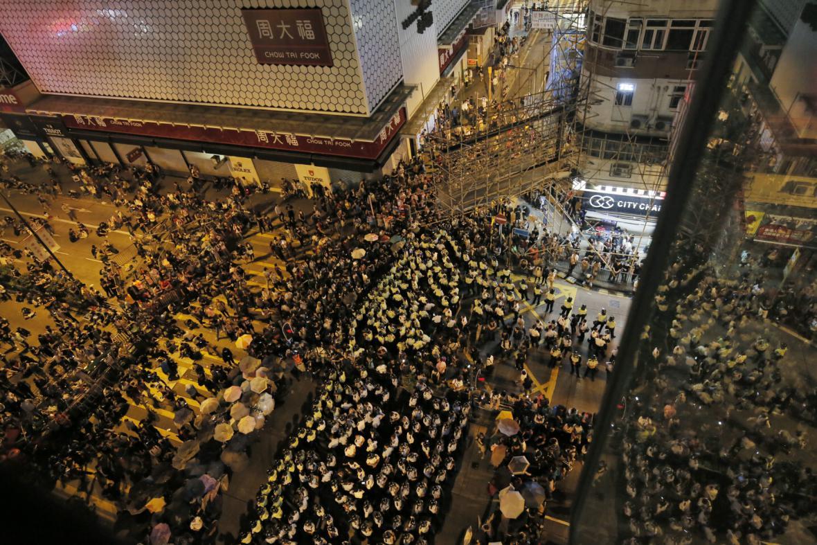 Demonstrace v hongkongské čtvrti Mongkok
