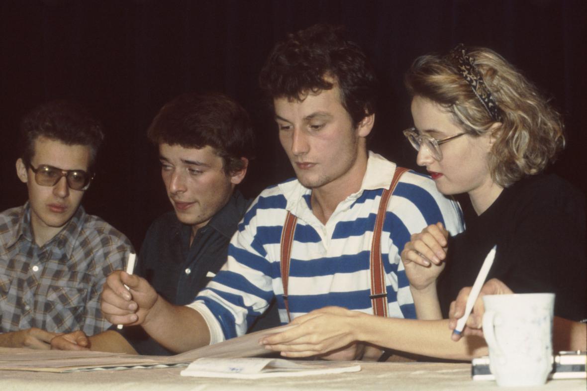 Tisková konference studentského výboru s novináři, listopad 1989