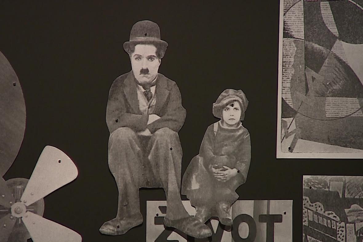 Čestným členem Brněnského Devětsilu byl i Charlie Chaplin