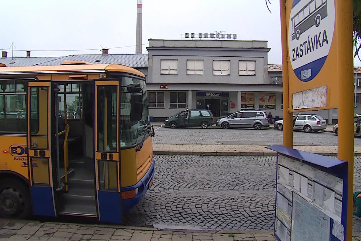 Stará zastávka autobusu v Břeclavi