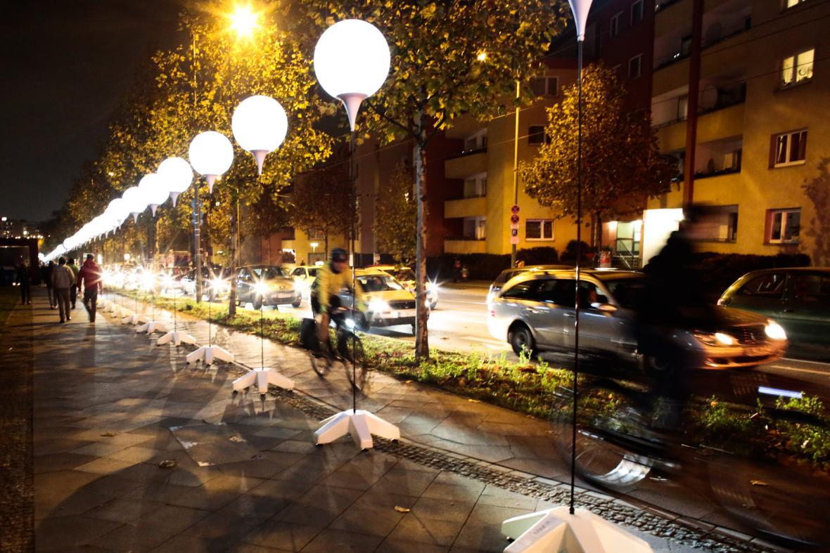 Berlínská zeď, světelná instalace