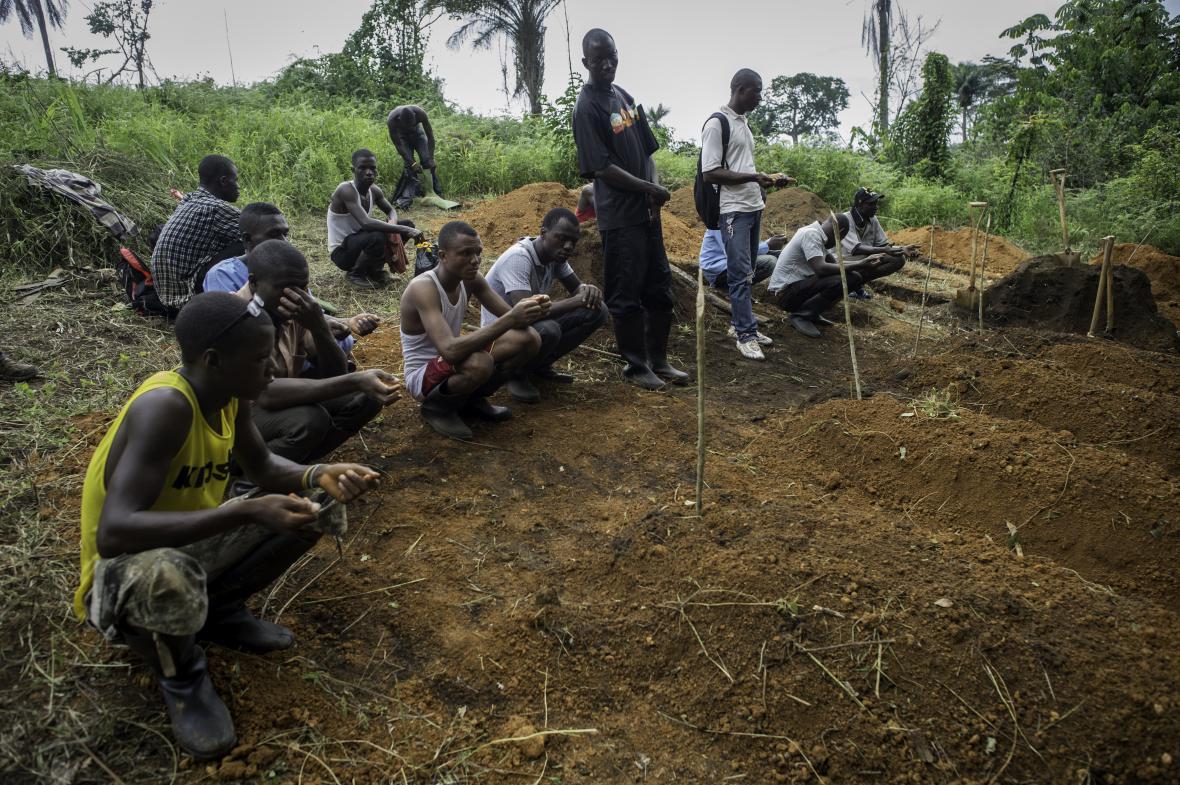 Hroby obětí eboly