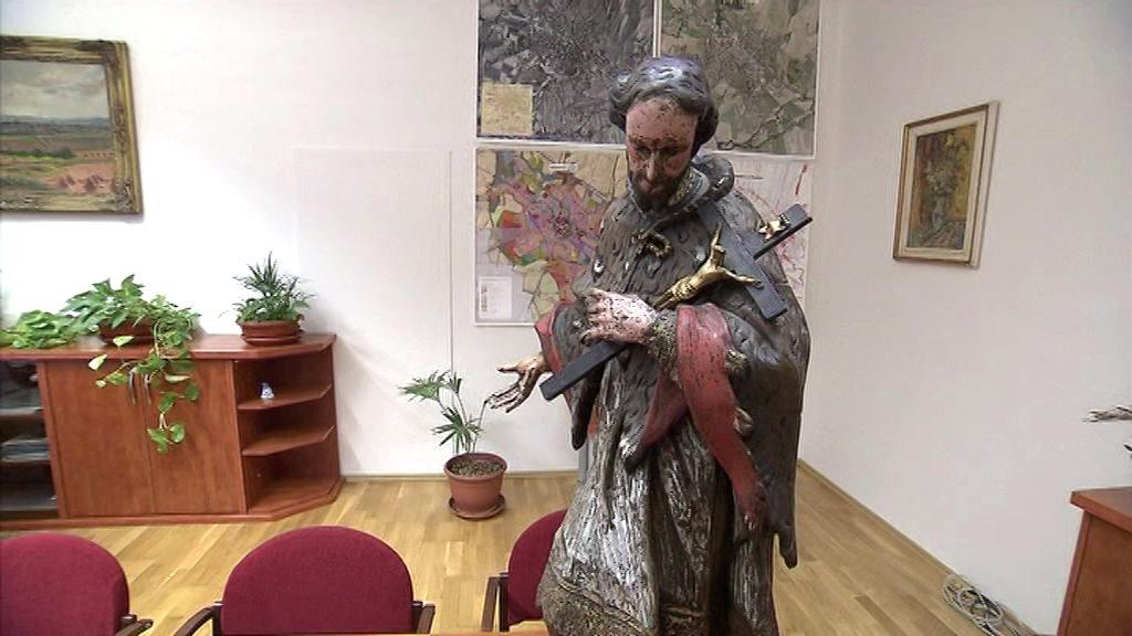 Ukradená socha se po 22 letech vrátila do Opavy