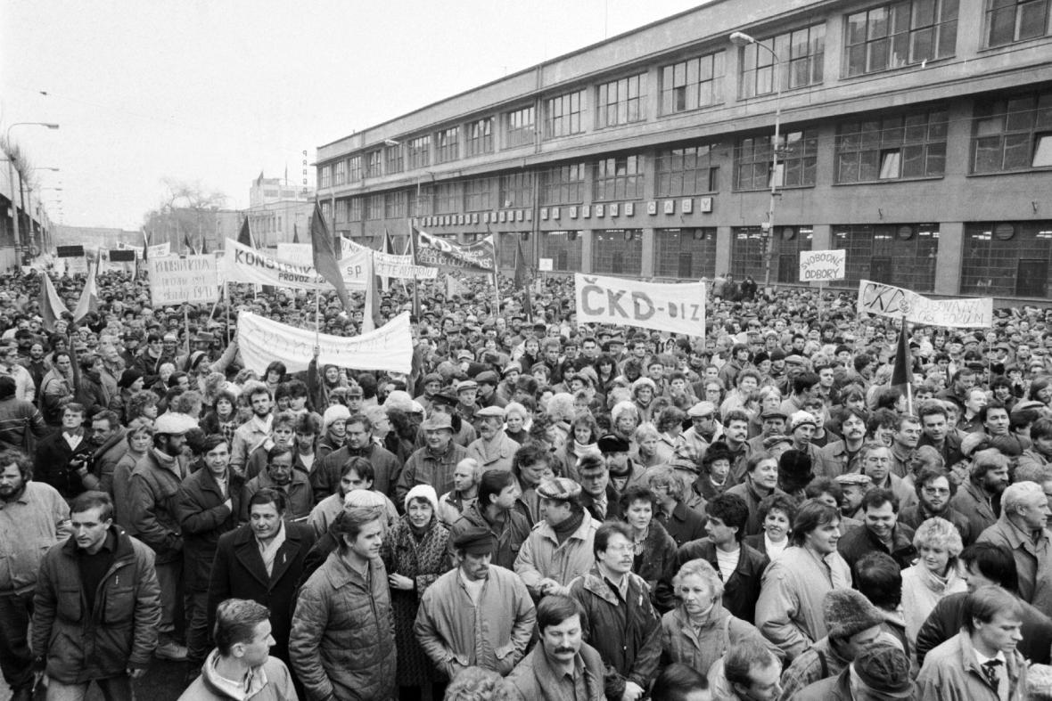 Generální stávka před ČKD, 27. listopadu 1989