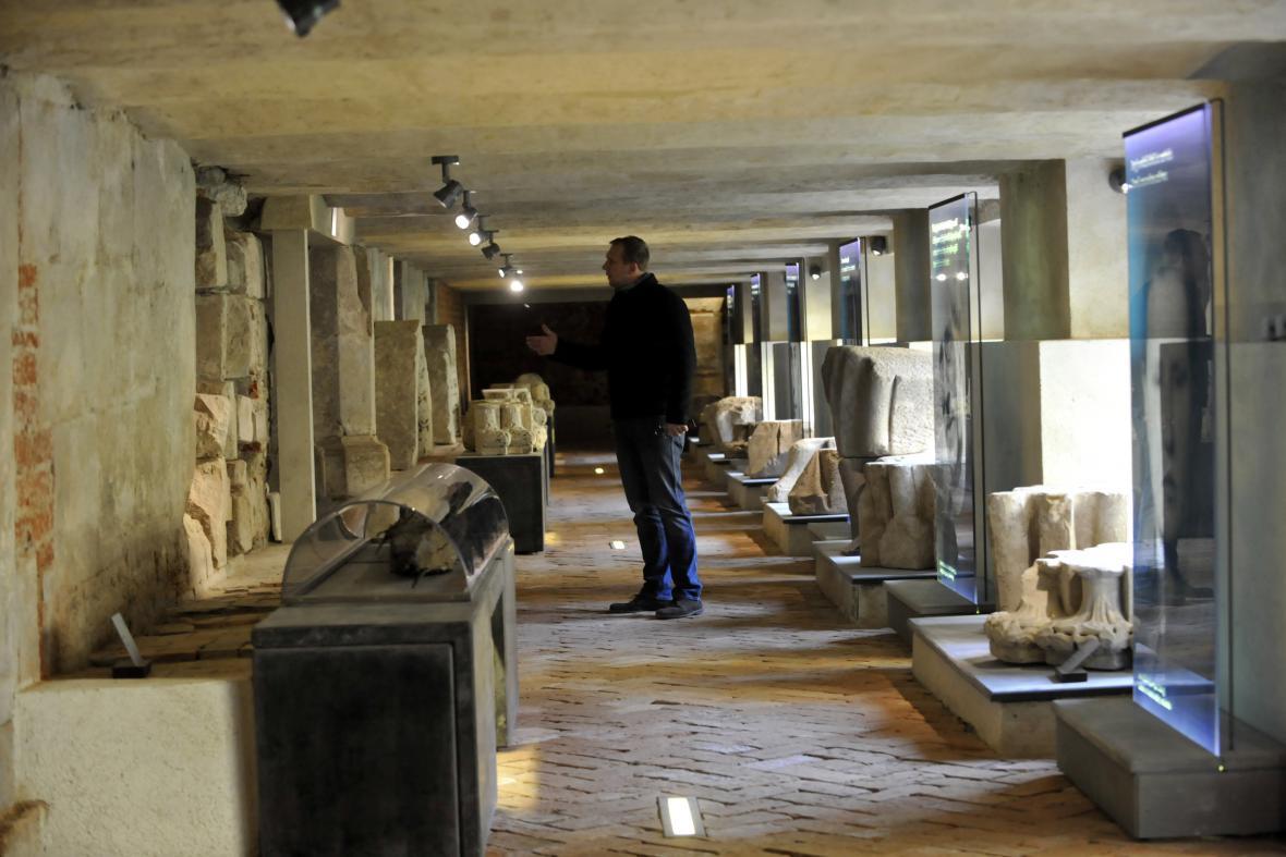 Lapidárium ukazuje život mučedníků ve 20. století