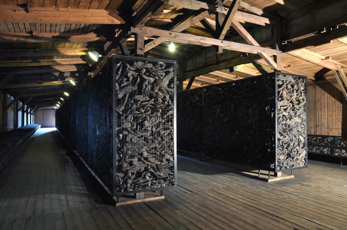 Boty v muzeu Majdanek