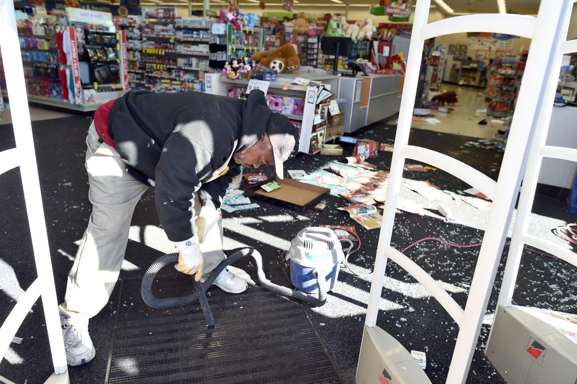 Následky nepokojů ve Fergusonu