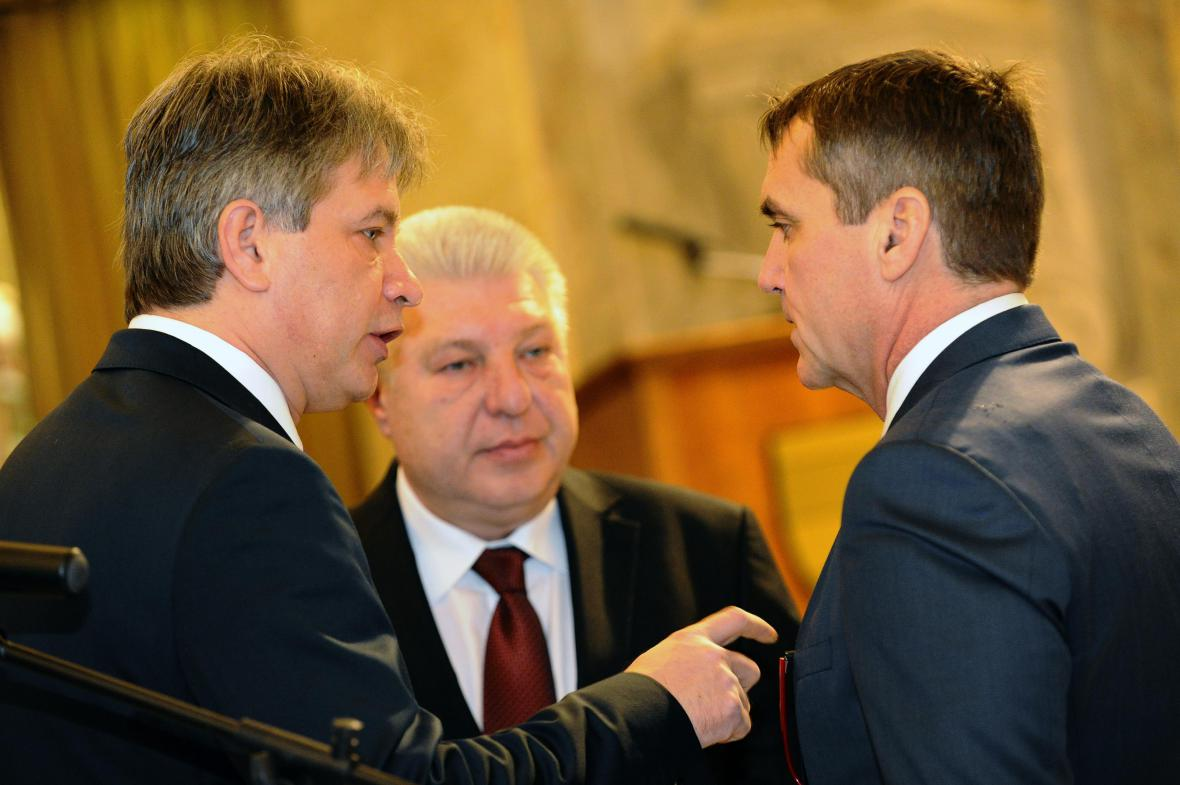 Roman Onderka předal vedení úřadu svému nástupci Petru Vokřálovi (ANO)