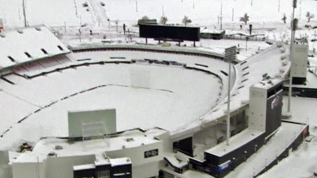 Zasněžený stadion Buffalo Bills