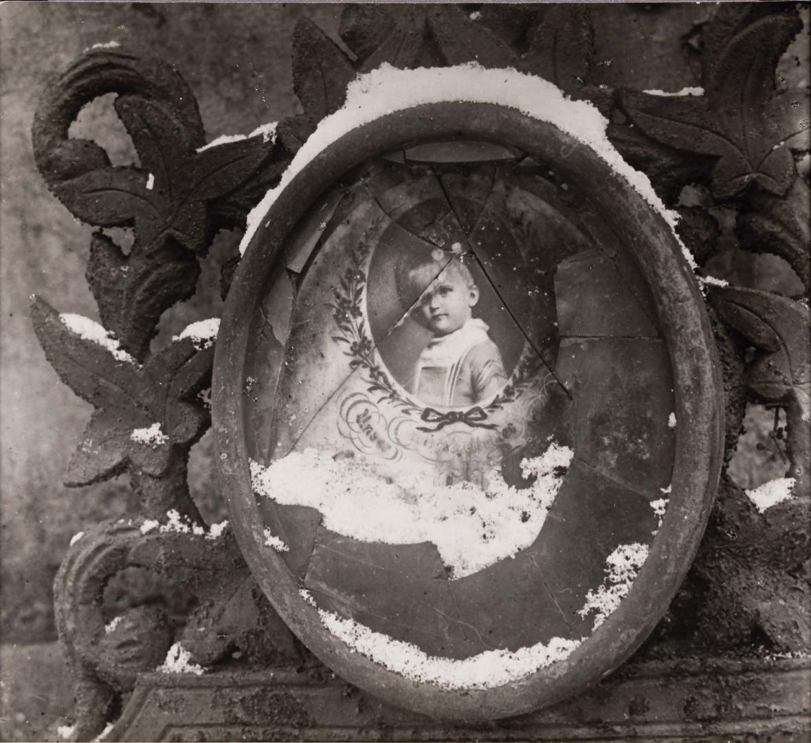 Tibor Honty / Ze starých hřbitovů, 1942