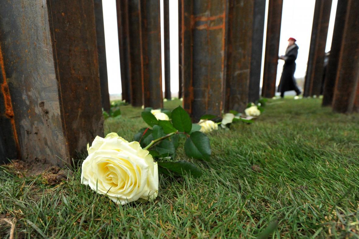 Nový památník obětem železné opony