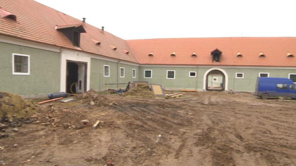 Opravy hřebčína v Kladrubech nad Labem