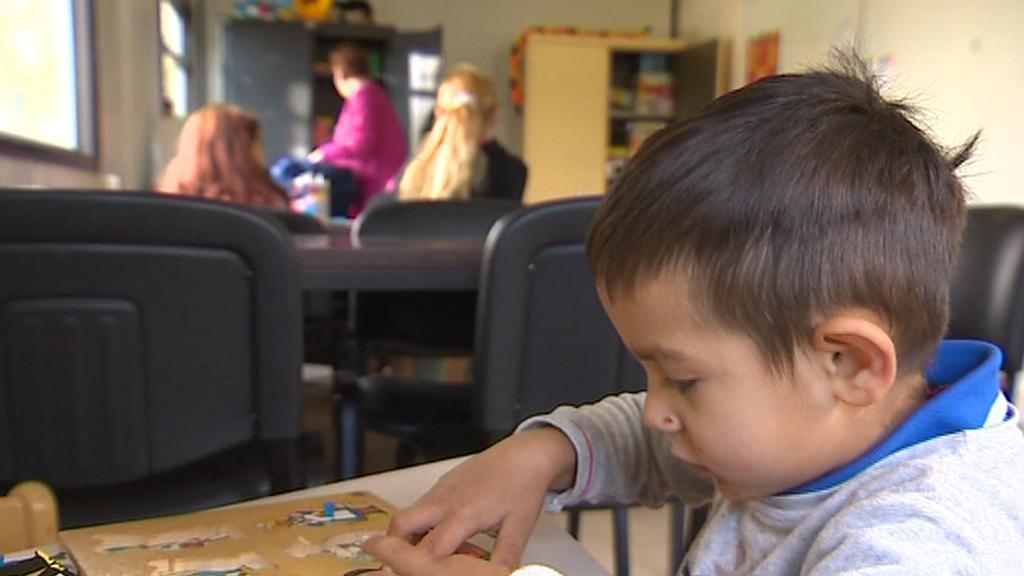 Romské děti kočovníků učí ve Francii zdarma