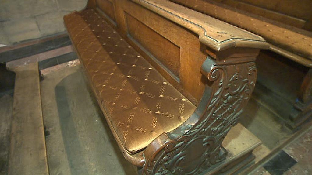 Detail lavice v chrámu sv. Víta