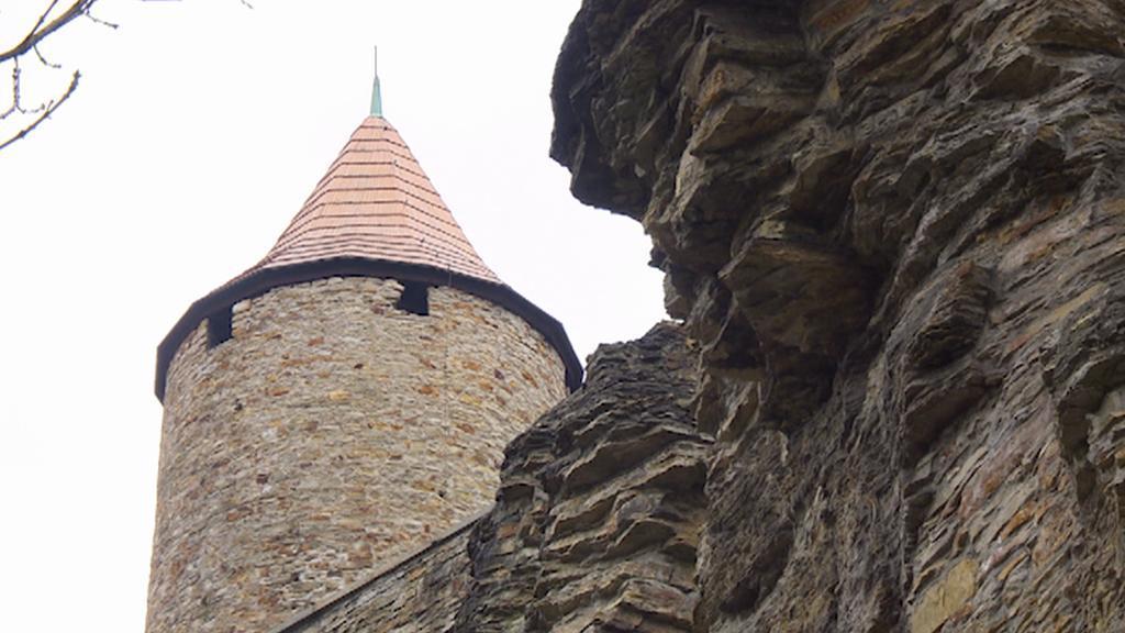 Opukový skalní masiv v Novém Městě n. Metují