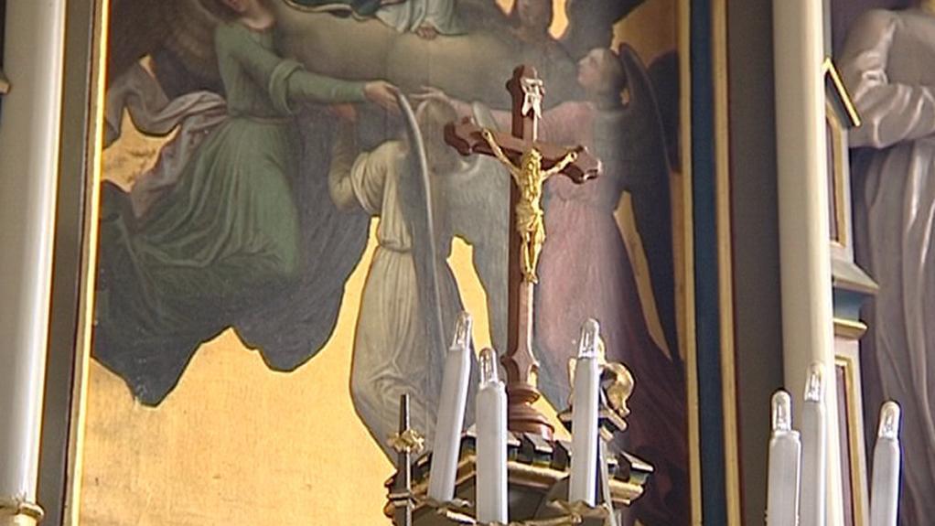 Kříž v číhošťském kostele