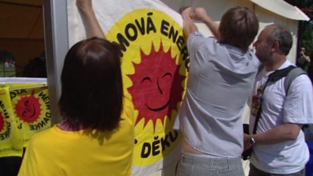 Protestní pochod v Maňovicích - archivní záběr
